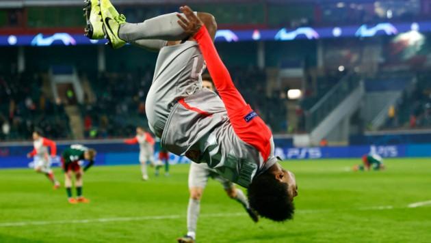 Karim Adeyemi: spektakulär beim Kicken und beim Jubeln (Bild: APA/AFP/POOL/MAXIM SHEMETOV)