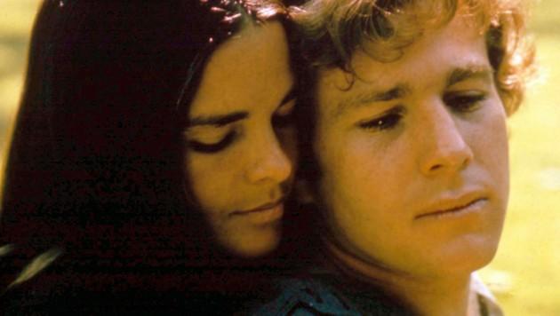 """Ali McGraw und Ryan O'Neal in dem Film """"Love Story"""" von 1970 (Bild: Paramount Pictures / Mary Evans / picturedesk.com)"""