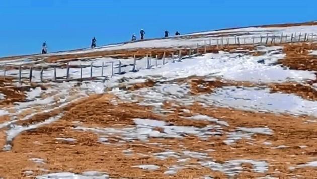 Die Biker fuhren laut Bergwacht über die Saualpe, Fuchskogel bis zum Zirbitzkogel. Angeblich mussten sogar Wanderer vor ihnen ausweichen. (Bild: Bergwacht)