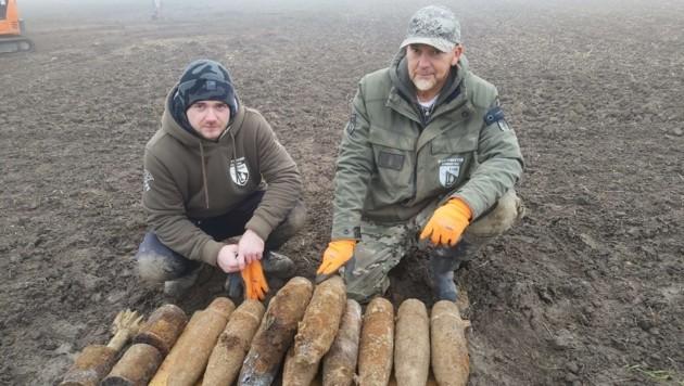 Das Team der Kampfmittelbergung legte die explosiven Funde frei und machte sie unschädlich.