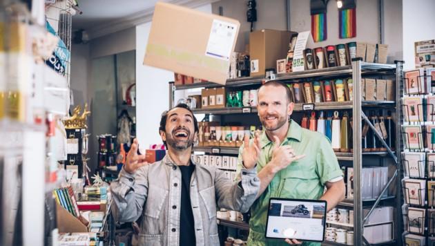 Giovanni Vitale und Wolfgang Herzog betreiben den Concept Store am Kornmarktplatz mit Herzblut und Liebe zum Detail (Bild: www.manuelpaul.com)