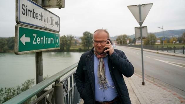 In Braunau legten Hacker nicht nur die Server im Rathaus lahm. Auch die Daten auf dem Handy des Stadtchefs sind weg. (Bild: Scharinger Daniel)