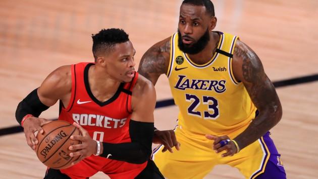 Russell Westbrook (links) im Zweikampf mit LeBron James (Bild: Getty Images)