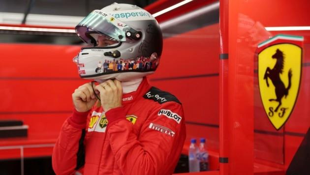 Sebastian Vettel verlost seinen Helm für eine gute Sache. (Bild: HANDOUT)