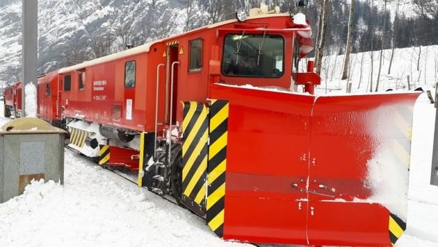Die Winterdienstfahrzeuge der ÖBB waren bereits am Donnerstag im Einsatz (Bild: ÖBB Mosser)
