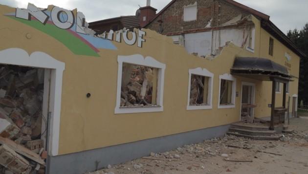 Das Gasthaus Rodlhof in Ottensheim wird derzeit abgerissen (Bild: Schütz Markus)