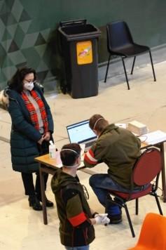 """Krone""""-Redakteurin Martina Münzer war mit Tochter Patricia in der Stadthalle. (Bild: Tomschi Peter)"""