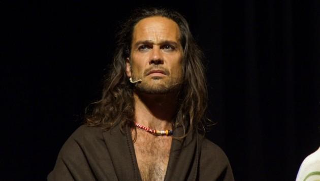 """Lang als """"Berger"""" im Musical """"Hair"""" 2003 in Telfs. (Bild: Bernhard James Lang)"""