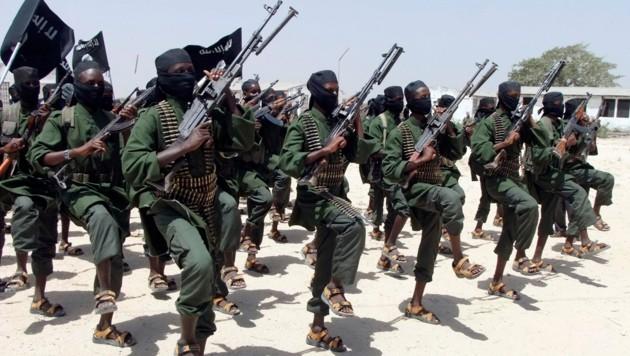 Kämpfer der al-Shabab in Somalia (Bild: AP)