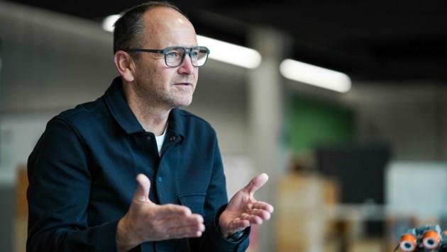 Andreas Fill hat sich ganz dem Nachwuchs verschrieben. Aktuell bildet der in Gurten ansässige Anlagenbauer 84 Lehrlinge in acht verschiedenen Berufen aus, erstmals auch im IT-Bereich. (Bild: Markus Wenzel)