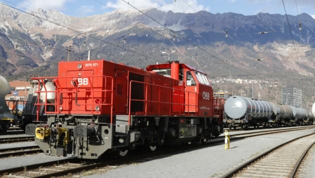 34 Verschub-Dieselloks sind österreichweit in Betrieb, einige am Bahnhof Innsbruck. Obwohl gesetzliche Grenzwerte eingehalten werden, denke man über Alternativen nach. (Bild: Birbaumer Christof)