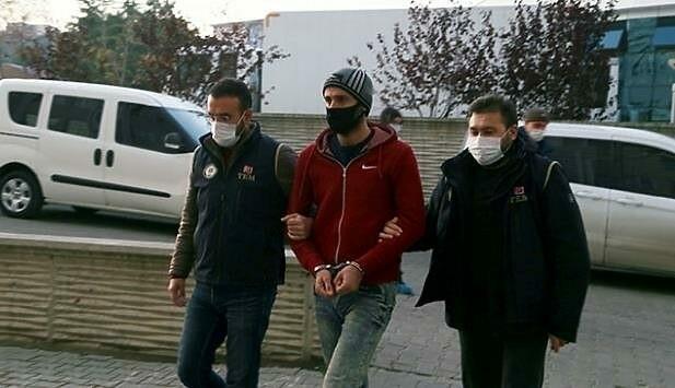 """Einer der elf in der Türkei verhafteten Islamisten. Das Netzwerk köderte für den """"Heiligen Krieg"""". (Bild: AA)"""