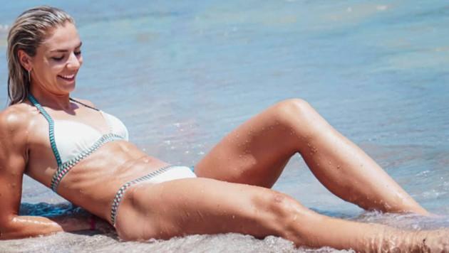 Ivona Dadic auf Teneriffa: Viel Zeit für Beach-Feeling bleibt im Trainingslager nicht, aber ein Schnappschuss für Instagram geht sich aus. (Bild: instagram.com/ivona.dadic)