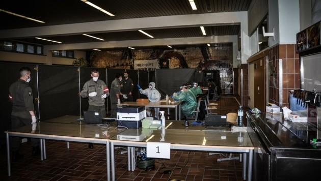 Auch in der Villacher Rohr-Kaserne wird seit Samstag eine Teststraße betrieben. (Bild: Robert Petauschnig/Bundesheer)