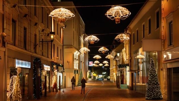 Weihnachtsstimmung wird aus der früheren Herzogstadt in die Wohnzimmer übertragen. (Bild: Stadt St. Veit)