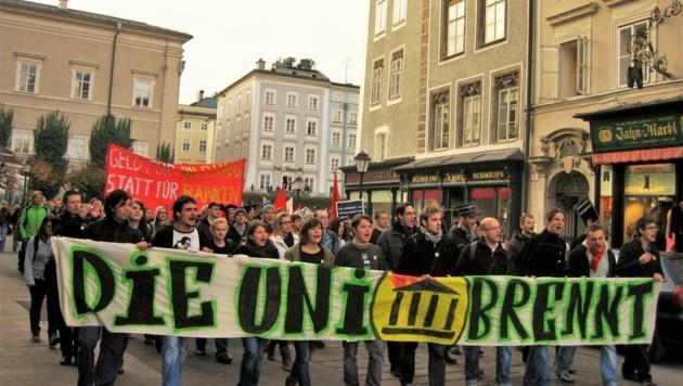 Erinnerungen an die Studentenproteste in der Salzburger Altstadt im Jahr 2009 werden wach (Bild: ÖH Uni Salzburg)