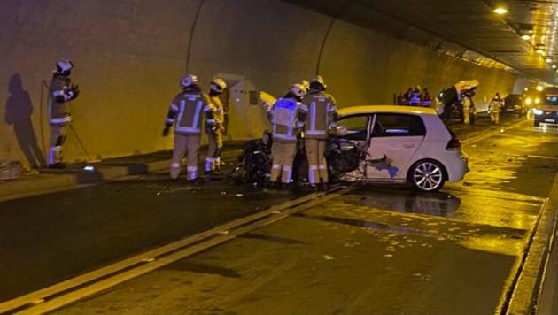 Der Tunnel wurde nach der Frontalkollision komplett gesperrt