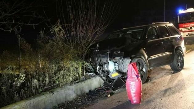 Am Fahrzeug des Lenkers entstand ein Totalschaden. (Bild: Freiwillige Feuerwehr Thalgau)