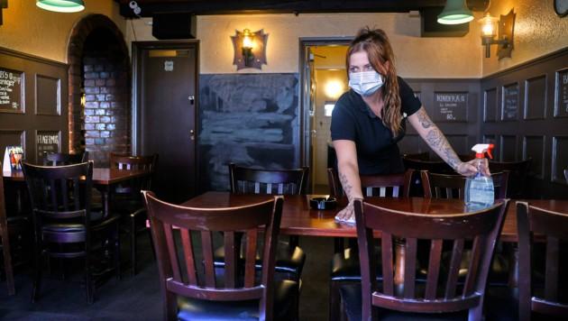 Sperrstunde heißt es nun vielerorts für Lokale in Dänemark. (Bild: AFP)