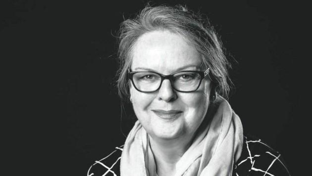 Germanistin Christine Mayr verfasste ein lesenswertes Buch mit 15 ausgewählten Kurzgeschichten. (Bild: BLICKFANG)