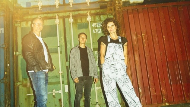 Songwriterin Andrea Gelsinger, Wolfger Buchberger (li.), Ulrich Gahleitner (Bild: Magdalena Chan)