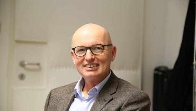 Thomas Schiendorfer, Direktor der NMS-Nonntal: Die Rückkehr in die Schule tut den Kindern sehr gut. Man merkt aber, dass die Schulgemeinschaft unter der Situation leidet. (Bild: Tröster Andreas)