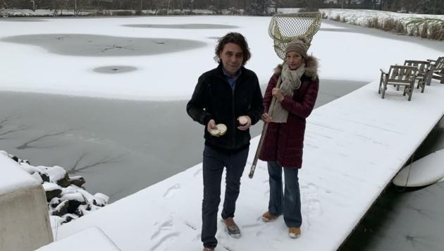 Romeo Schermann und Lebensgefährtin Claudia an ihren Stör-Teichen. (Bild: Schulter Christian)