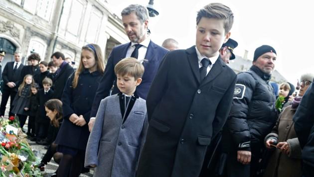 Prinz Christian nach dem Tod seines Großvaters Prinz Hendrik im Jahr 2018 (Bild: AFP)