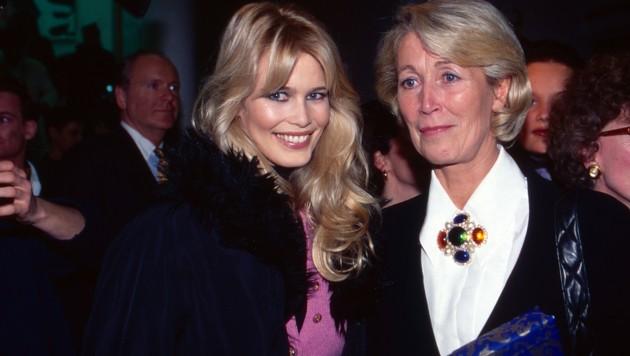 Claudia Schiffer 1991 mit ihrer Mutter Gudrun (Bild: Wolfgang Kühn / United Archives / picturedesk.com)