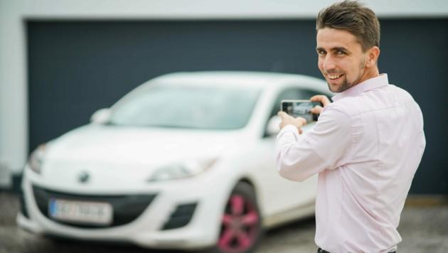 Jörg Pürstinger (34) ist selbst Autoverkäufer und baute mit seiner Frau Tanja (32) die Plattform carzar.eu auf. (Bild: Markus Wenzel)
