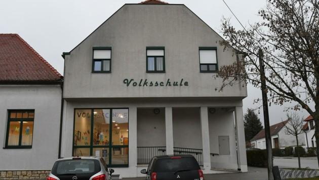 Die Volksschule in Stotzing (Bild: Huber Patrick)