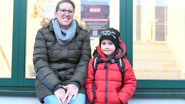 Eriks Vorfreude auf seine Klassenkameraden war riesig (Bild: Huber Patrick)