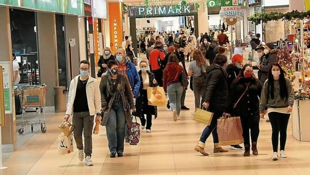 Viel los in den steirischen Einkaufszentren, aber weit weniger als erwartet.