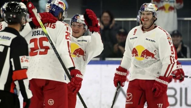Will in Graz mit den Eisbullen jubeln: Alex Rauchenwald (re.), der ein Blitz-Comeback gibt. (Bild: Tröster Andreas)