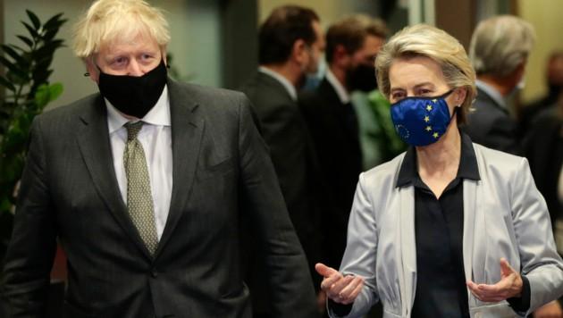 Boris Johnson und Ursula von der Leyen (Bild: AP)