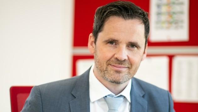 Heinzi-Erik Hobisch, Arbeitsrechtexperte der Arbeiterkammer
