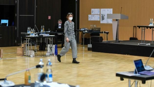Uschi Schwarzl muss als Vize gehen: 27 stimmten gegen sie. Bei Oppitz-Plörer waren es 23. (Bild: LIEBL Daniel | zeitungsfoto.at)