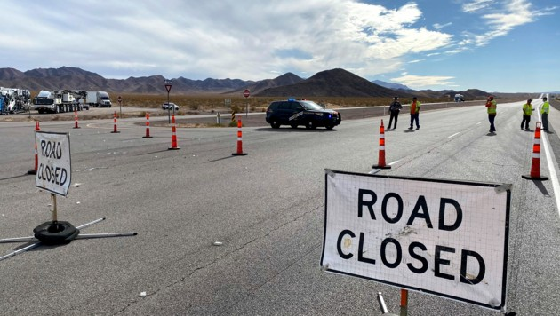 Der Highway 95 musste nach dem Unfalldrama gesperrt werden. (Bild: AP)