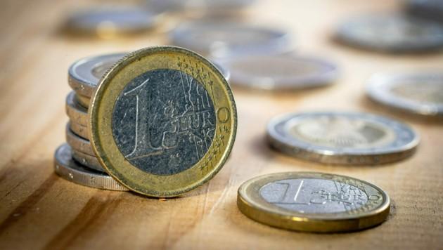 Ein 80-jähriger Kunde war enttäuscht, dass er bei der Bank keine Münzen bekam. (Bild: ©dietwalther - stock.adobe.com)