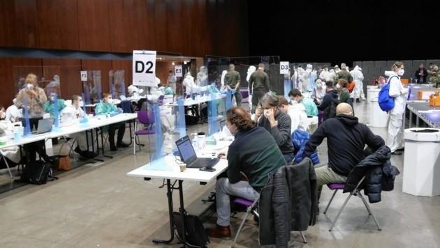Die List-Halle in Graz vor Öffnung der Teststraßen