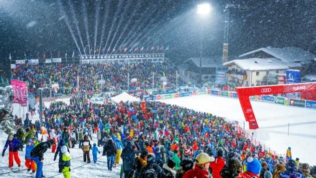 Bis zu 15.000 Fans in Flachau: So ein Bild wird es frühestens 2022 wieder geben.
