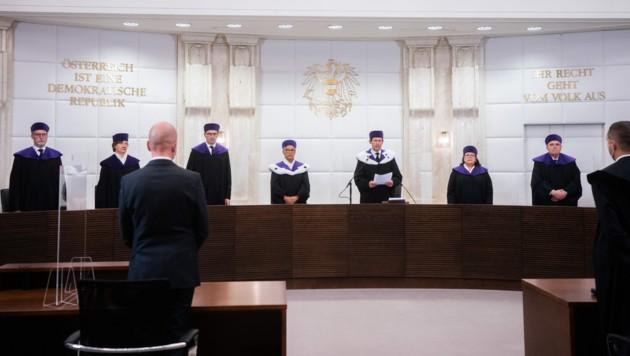 Die 14 Verfassungsrichter ermöglichten diese Woche die Sterbehilfe. Die Regierung hatte zuvor nicht geplant, das zu tun. (Bild: APA/GEORG HOCHMUTH)
