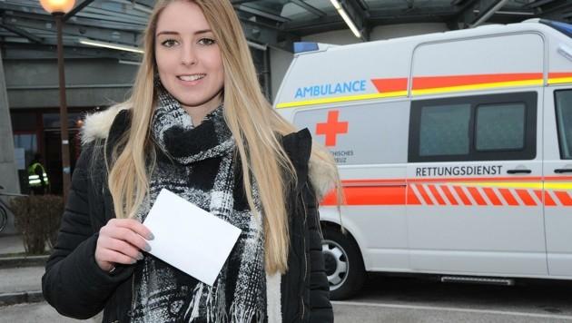 """""""Ich lasse mich heute testen, weil ich dadurch zur Sicherheit meiner Familie betragen kann"""", sagt Studentin Nina Weissensteiner (21) vor dem Test in der Johann-Pölz-Halle Amstetten. (Bild: Crepaz Franz)"""