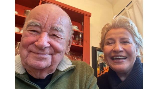 Selfie mit Traude, der Managerin und treuen Seele des Hauses (Bild: Toni Stricker)