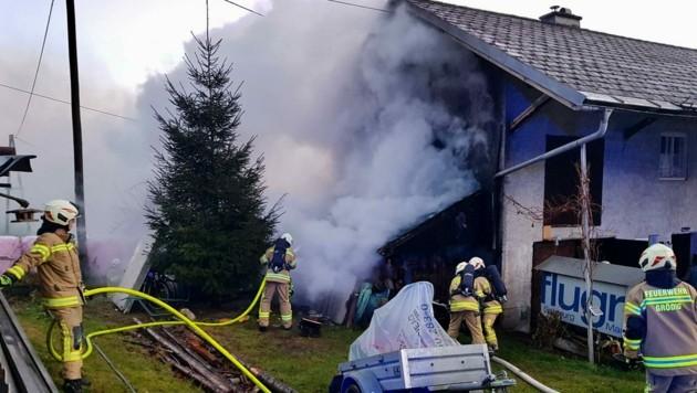 Der Schuppen fing Feuer. (Bild: Markus Tschepp)