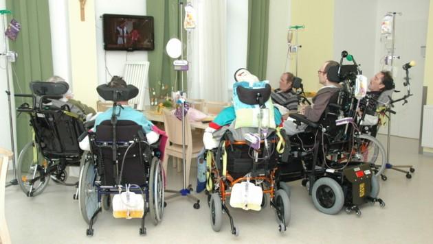 Wachkoma-Patienten im Landespflegezentrum Schloss Haus (Bild: Johann Haginger)