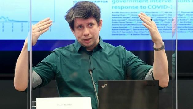 Der Komplexitätsforscher Peter Klimek (Bild: APA/HELMUT FOHRINGER)