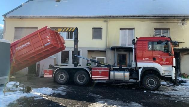 Der Spezial-Container, in dem brennende Akkus im Gefahrenfall gekühlt werden können, wurde gar nicht gebraucht. (Bild: FF Spittal)