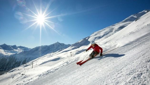 Das beliebte Werbesujet des einsamen Skifahrers (im Bild Sölden) ist heuer durchaus realistisch.