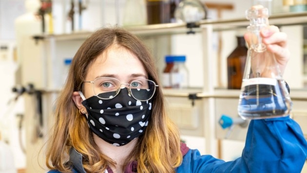 Vanessa Haunschmied macht Lehre zur Labortechnikerin (Bild: Einöder Horst)